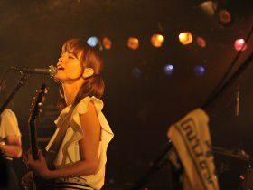 tkmk爆女祭~初日レポート~|エナジーにあふれた若手バンドたちが熱狂のバトルを展開!!