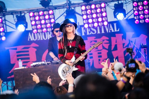 ロックフェス夏の魔物で、HISASHI(GLAY)×ROLLY×夏の魔物が夢の共演|Myuu♪