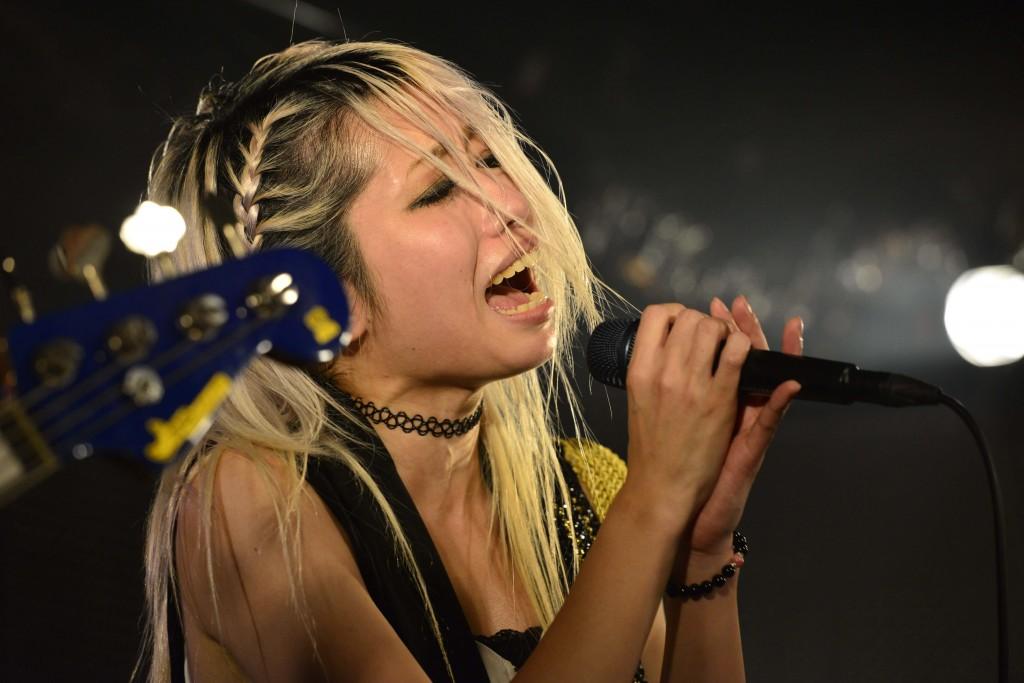 「tkmk爆女祭」4日女(目)は、CREAが暴走。ギターをぶち壊すほどの熱狂も!!  パンクなアイドルから2ピースなロックンロールバンドまで多彩な演者が勢ぞろい!!|Myuu♪