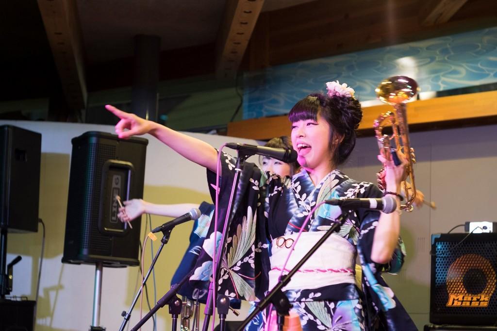 ゆず、 SEKAI NO OWARI をサポート 和ファンタジックトランペッター 秋山璃帆|Myuu♪