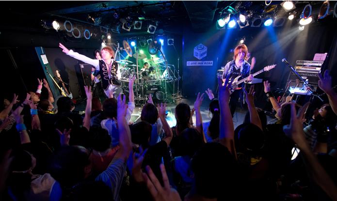 サイキックラバーのIMAJO、奥井雅美のワンマンのバンドメンバーとして舞台へ降臨!! 3月27日にはサイキックラバーのワンマンライブも決定中!Myuu♪