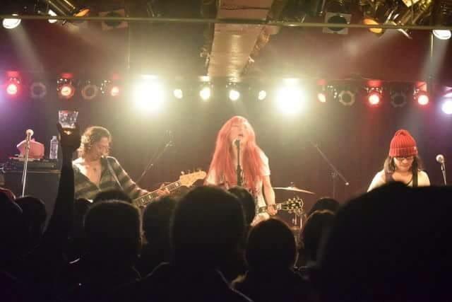 レディースルーム+バービーボーイズ+赤毛の不思議系「美里ウィンチェスター」のCD発売