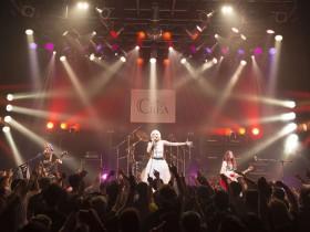 「革命を起こせ!!」。ガールズロックバンドCREAが熱狂渦巻くTSUTAYA O-WESTの舞台上で約束した「信じた未来へ革命を起こすため」の誓い!!|Myuu♪