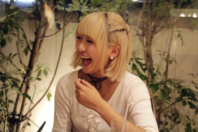 歌舞伎町で出会ったミニスカポリスが優秀過ぎて逮捕できなかった件|Myuu♪