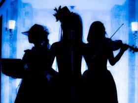 声優・上坂すみれのアルバムへ提供した楽曲もセルフカバー!!絶望ノ果てのクリシェ、初ライブを実施。絶望に支配された闇に、確かに光(未来)は示されていた。|Myuu♪