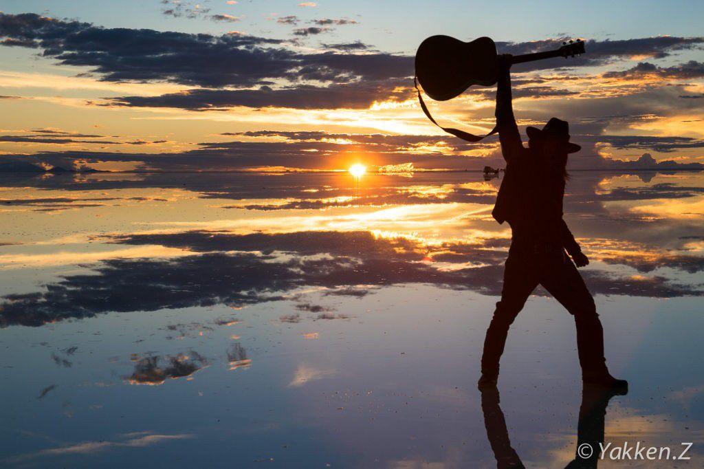 ギター1本で世界を放浪する大馬鹿者!真のグローバル人材とは何たるかを教えてやるよ。